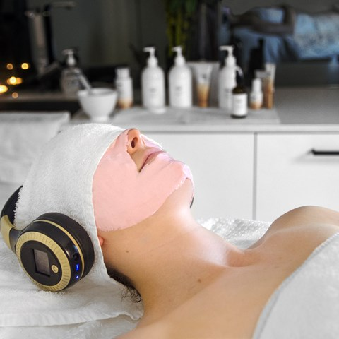 Unplug and Unwind Facial